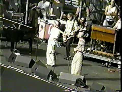 REM & Thom Yorke - E-Bow The Letter @ Washington (14 June 1998) mp3