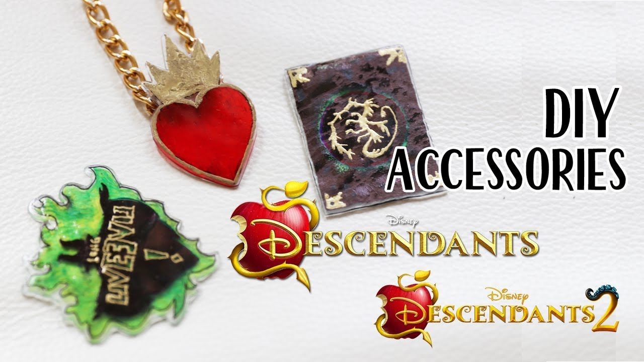 Descendants 2 Diy Accessories Evie S Necklace Mal Spellbook And More