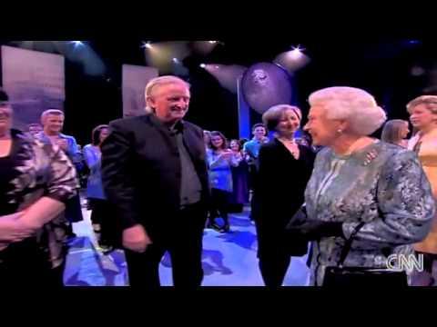 The Queen gets standing ovation in Ireland