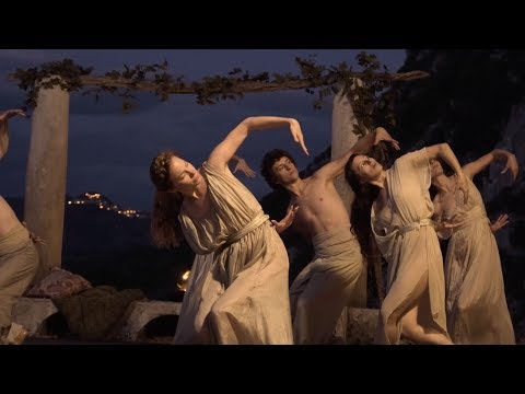 """CAPRI-REVOLUTION - Featurette """"Musica e Danza"""""""