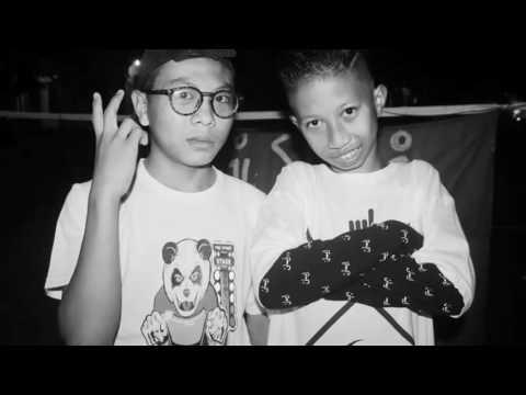 wayang kulit reggae-STM sahabat tapi munafik (cover) (KRJW FAMS)