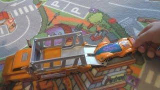 Hot Wheels набор машинок хотвилс с трейлером хот вилс машинки с автовозом на детском канале