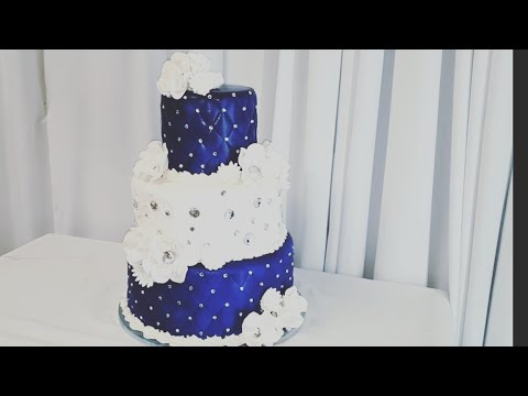 royal-blue-wedding-cake