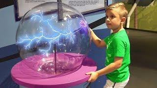 Диана и Рома в Детском Музее / Museum of Discovery and Science