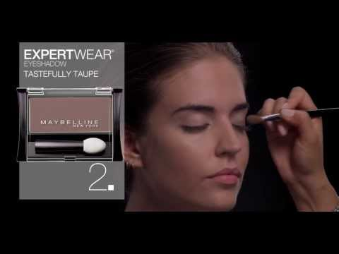 "Clara Alonso Maybeline: ""look"" Barely There"