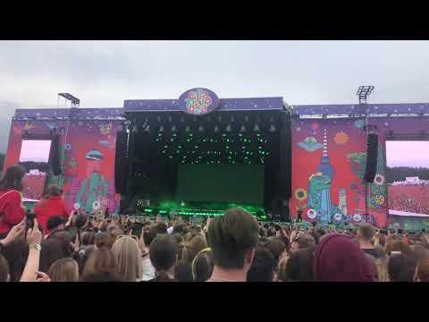 Lollapalooza 2019 Berlin-Billie Eilish- Wish You Were Gay -live