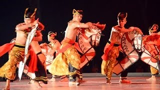 Dances Of Malaysia - Dancing In The Moonlight (3)