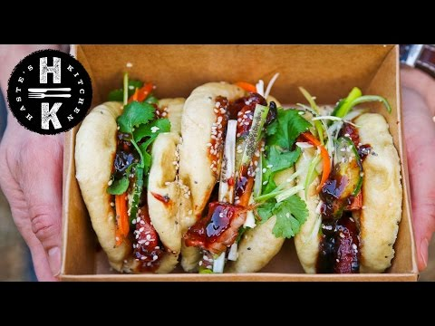 Bao buns with Chinese sticky pork belly