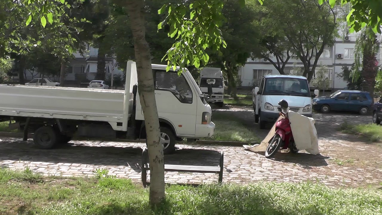 Çocuk parkını otoparka çevirdiler