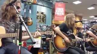 Blackberry Smoke - Pretty Little Lie - Guitar Center / San Antonio - 5/9/15