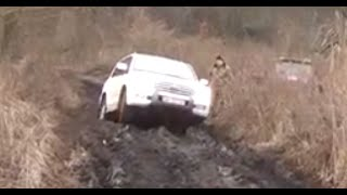 4x4 Toyota Land Cruiser 200 vs Niva Hard
