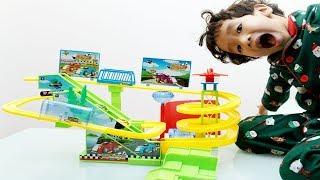 Kinderlieder und lernen Farben Rua und Voi spielen Spielzeug Entertainment Kinderreime 4