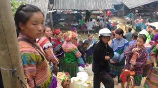 Can Cau Market Vietnam