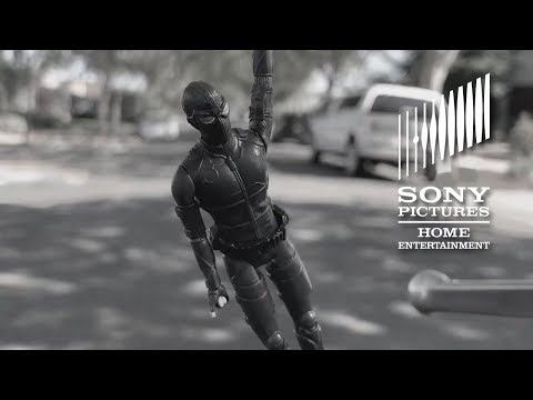SPIDER-MAN: FAR FROM HOME - Walmart Throwbaction Figure Commercial