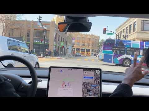 [FSD Beta 8.2] Oakland - Close Calls, Pedestrians, Bicycles!