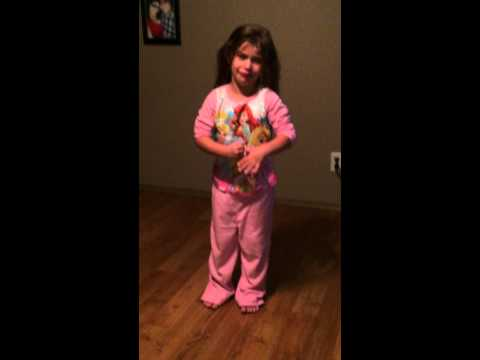 Morgen - Disturbing Mom Freaks Out 4 Year Old