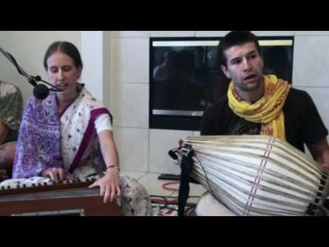 Bhajan - Ratna Radhika dasi - Hare Krishna - 1/5