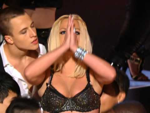 Britney Spears - Gimme More (lookin' for trouble) HD (Live VMA 2007)