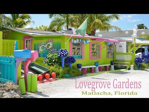 Lovegrove Gardens: (Colorful & Fun) Matlacha, Florida