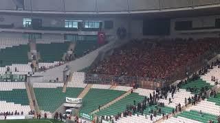 BUNLAR HAKKAT RAHATSIZ Bursaspor Deplasmanında Göztepe Taraftarları