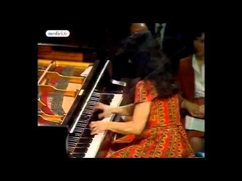 Концерт № 1 для фортепиано с оркестром - Марта Аргерих, главная тема.