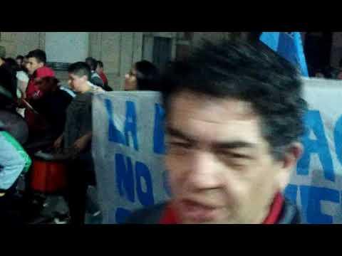 Marcha Mesa Intersindical-Giro alrededor de la Plaza-Frente Municipalidad Nueve de Julio