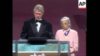 USA: President Clinton Honors Civil Rights Leader Rosa Parks - 1996