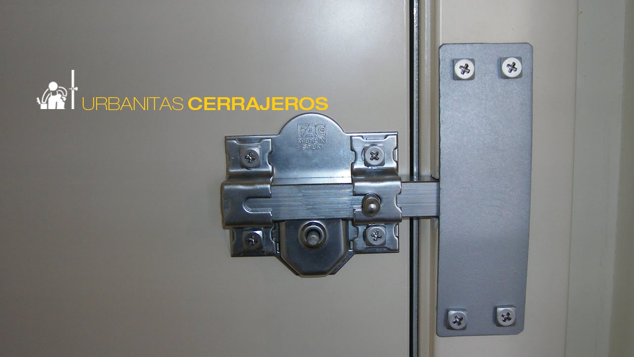 Instalaci n de cerrojo de seguridad en tres cantos tel - Cerraduras para puertas metalicas ...