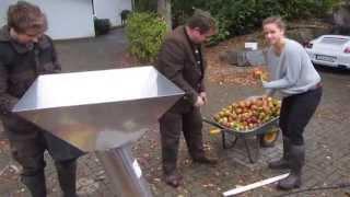 Apfelsaft-Herstellung in Oberberg mit Lancman-55 L-Hydro-Presse thumbnail