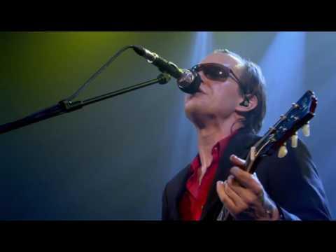 "Joe Bonamassa - ""Last Kiss"" LIVE"