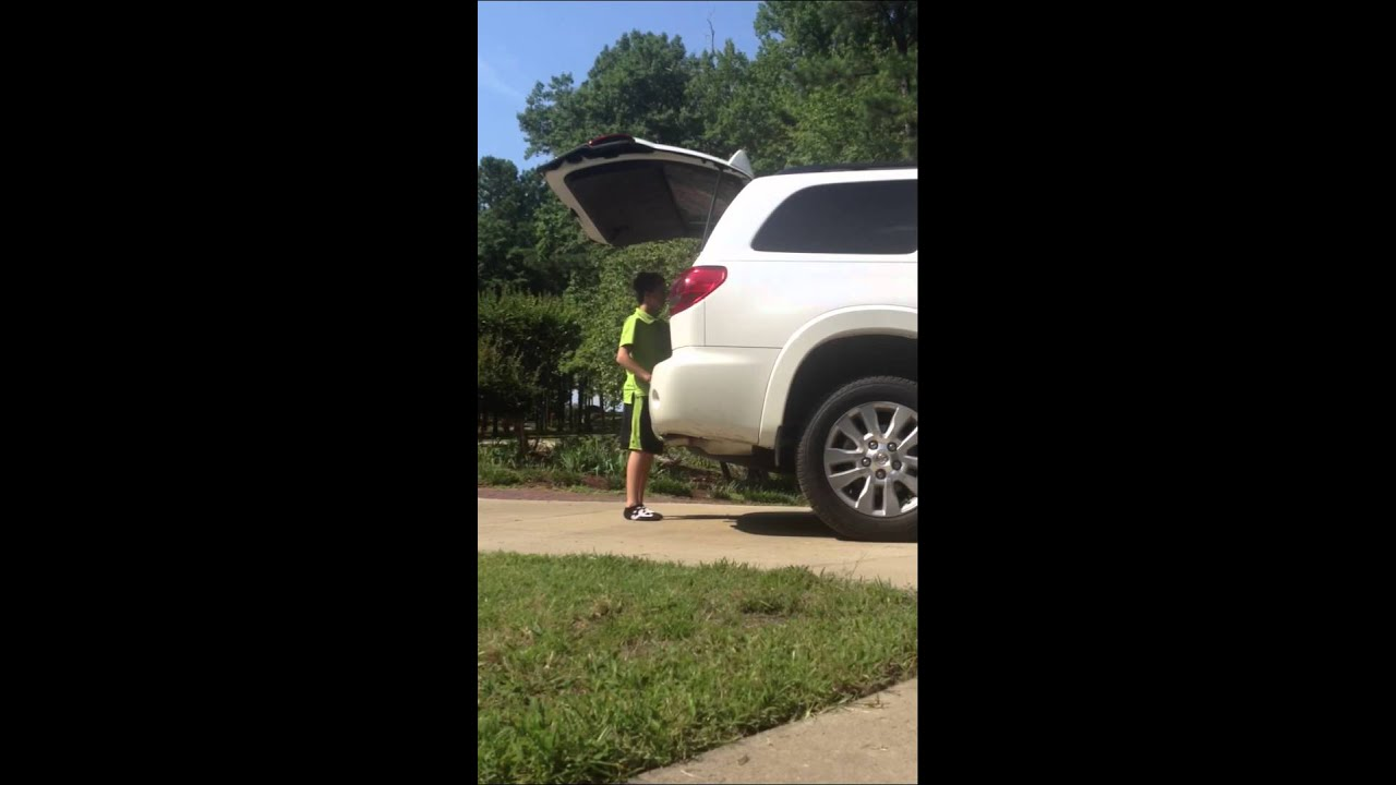 2012 toyota sequoia power liftgate youtube. Black Bedroom Furniture Sets. Home Design Ideas