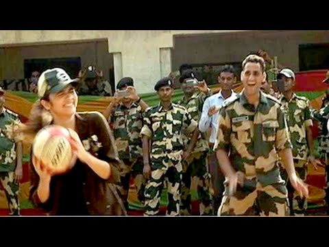 Watch Alia Bhatt play Volleyball with the jawans at Wagah
