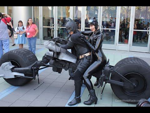 batman 39 s bike la moto de batman spanish youtube. Black Bedroom Furniture Sets. Home Design Ideas