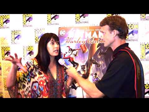 Paget Brewster (Poison Ivy) interview at Batman and Harley Quinn Premiere at SDCC