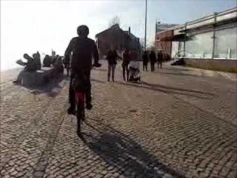 Zero 7 - Distractions (Madlib's Yesterdays New Quintet Mix) (2002)