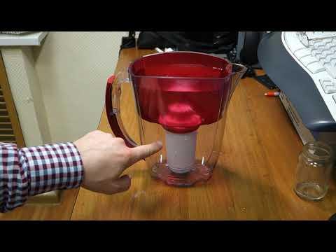 Фильтр аквафор - кувшин - неплотно прилегает картридж вода проходит через щели