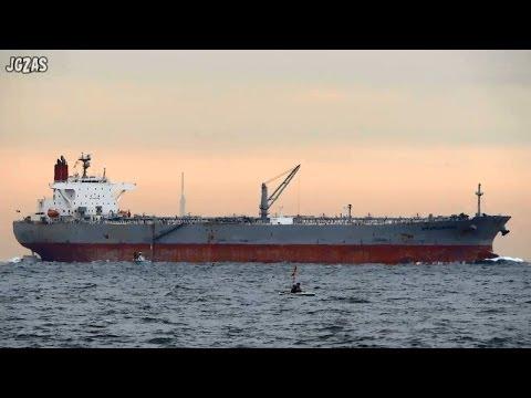 [船] AFRAMAX RIVIERA Crude oil tanker 原油タンカー Tokyo Bay 東京湾浦賀水道 2013-DEC