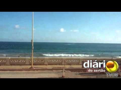 Paraibano filma avião caindo no mar de Salvador na bahia