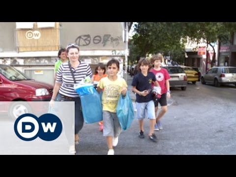 Greek families pushed to the edge | DW News