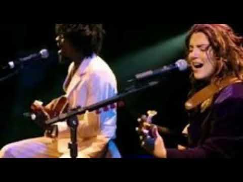 Download Ana Carolina y Seu Jorge - É isso aí - canción subtitulada al español
