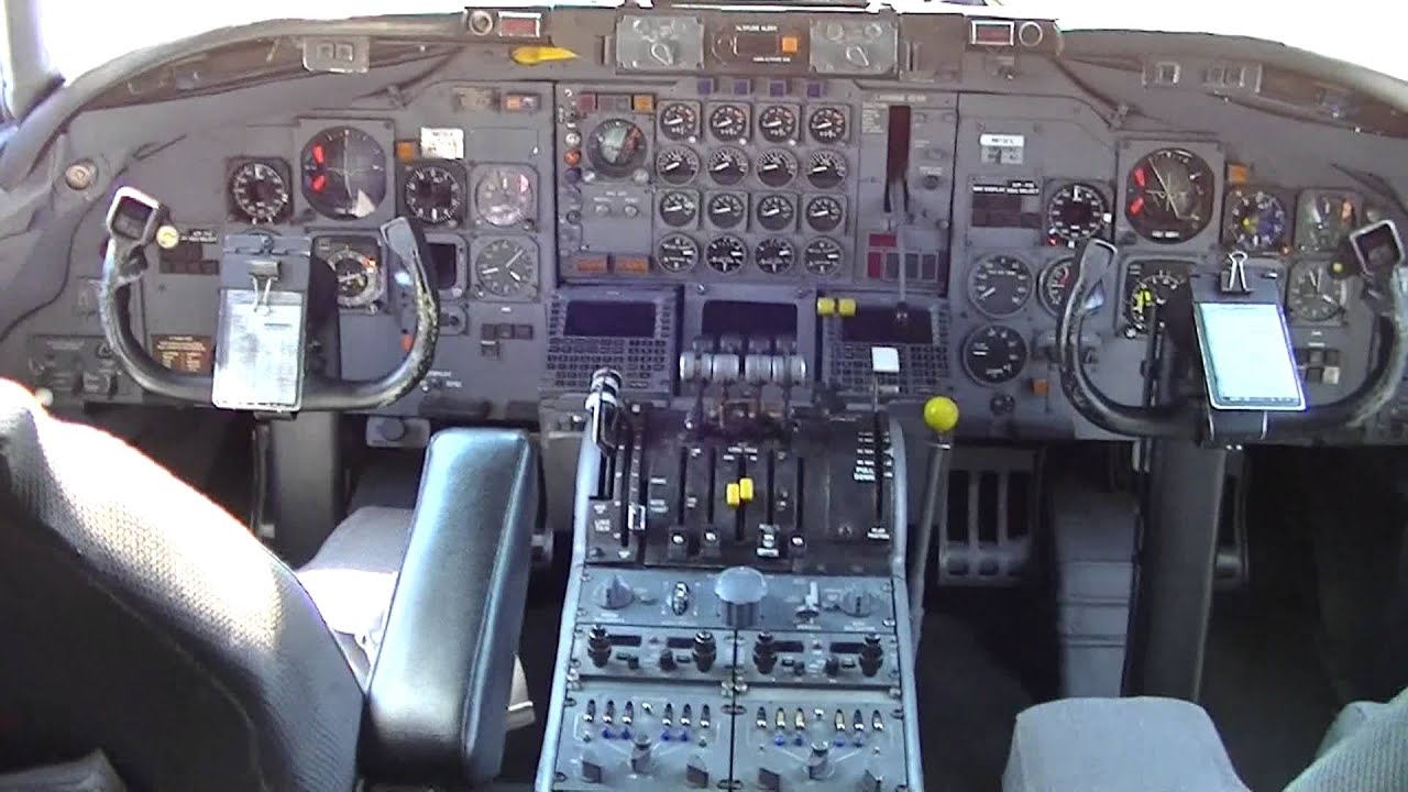 Panel Homes Inside The National Dc 8 71f At Willow Run Kyip N872ca