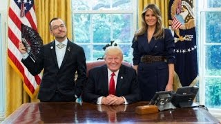 LGBTQ teacher's oval office picture goes viral thumbnail