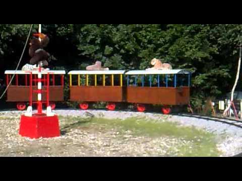 Đi Tàu hỏa ở sở thú Hradec
