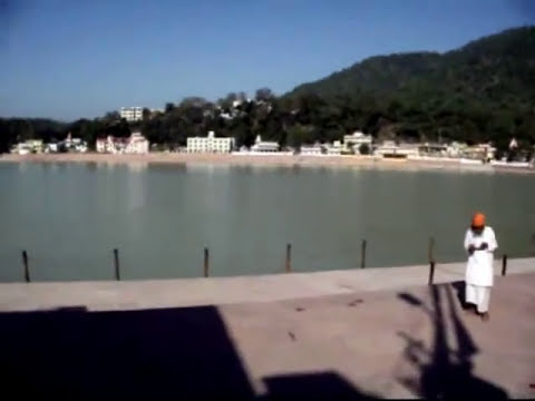 Rishikesh, India walking tour: From an ashram to the Ganges River