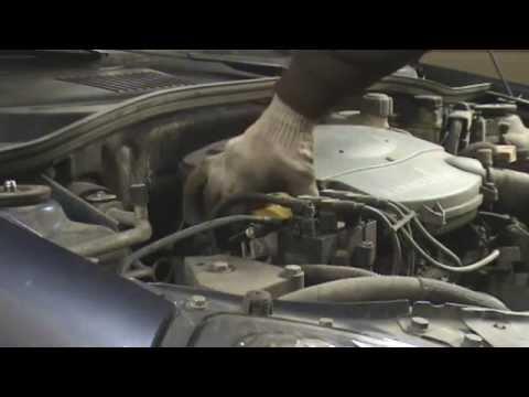 Renault Symbol Logan 1.4 8V.Плановое ТО. Замена масла, фильтров и свечей зажигания.