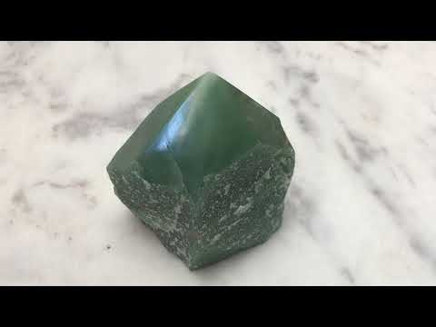 Green Aventurine A Healing Crystal Quick Introduction Guide To Manifesting With Crystals