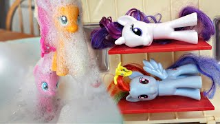 MY LITTLE PONY CAMPING CAMPER VAN & BUBBLES POOL PARTY!