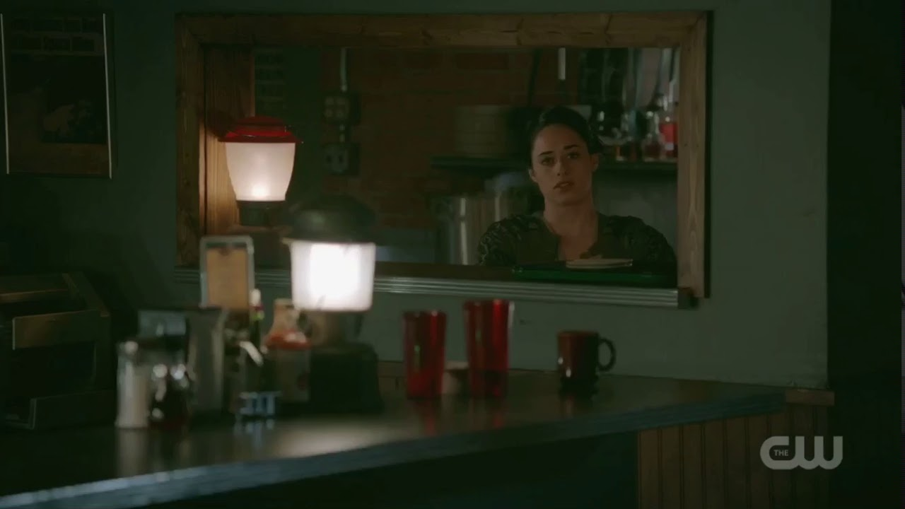 Download Max Confronts Liz About Her Feelings For Him - Roswell New Mexico - 1x04