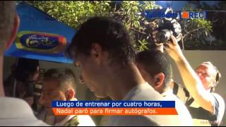 Rafael Nadal walks after practice to sign autographs Argentina Open 23/02/15