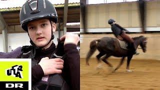 Cecilies hest stikker af - Første gang til ridestævne l Ultra